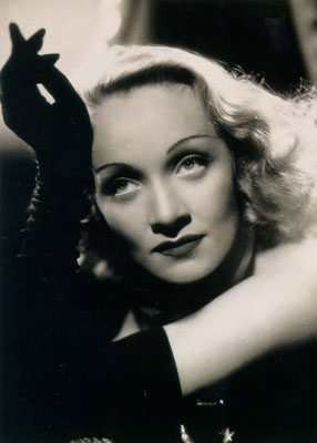 Il y a 110 ans... Marlene_Dietrich115