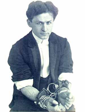 Il y a 137 ans... Houdini1018