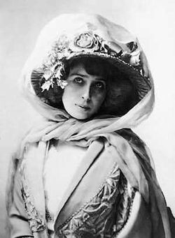 Il y a 137 ans... Mistinguett11318