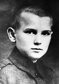 Il y a 93 ans... karol_wojtyla_at_12