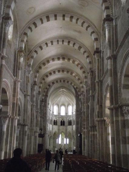 017-vezelay-basilique-petit Saint Père