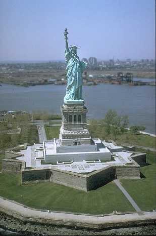 Il y a 128 ans... statue-liberte