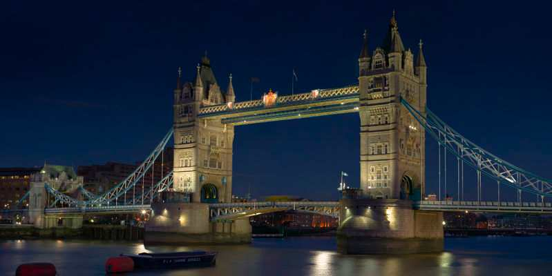 Il y a 119 ans... tower_bridge_london