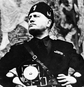 Il y a 130 ans... mussolini_113