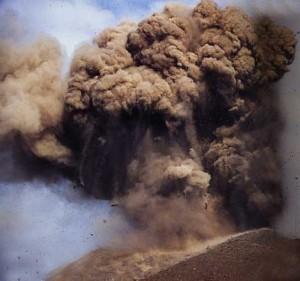 Il y a 130 ans... krakatoa-1997-300x281