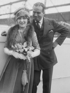 Douglas_Fairbanks_and_Mary_Pickford_01