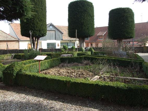 DSCF4001 Epfig jardin chapelle Ste Marguerite