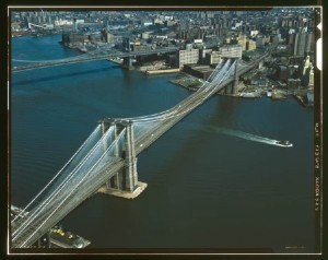 brooklyn_bridge_and_east_river_310